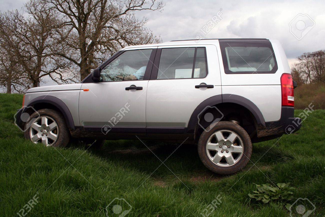 A 4x4 going off-road in England. - 796000