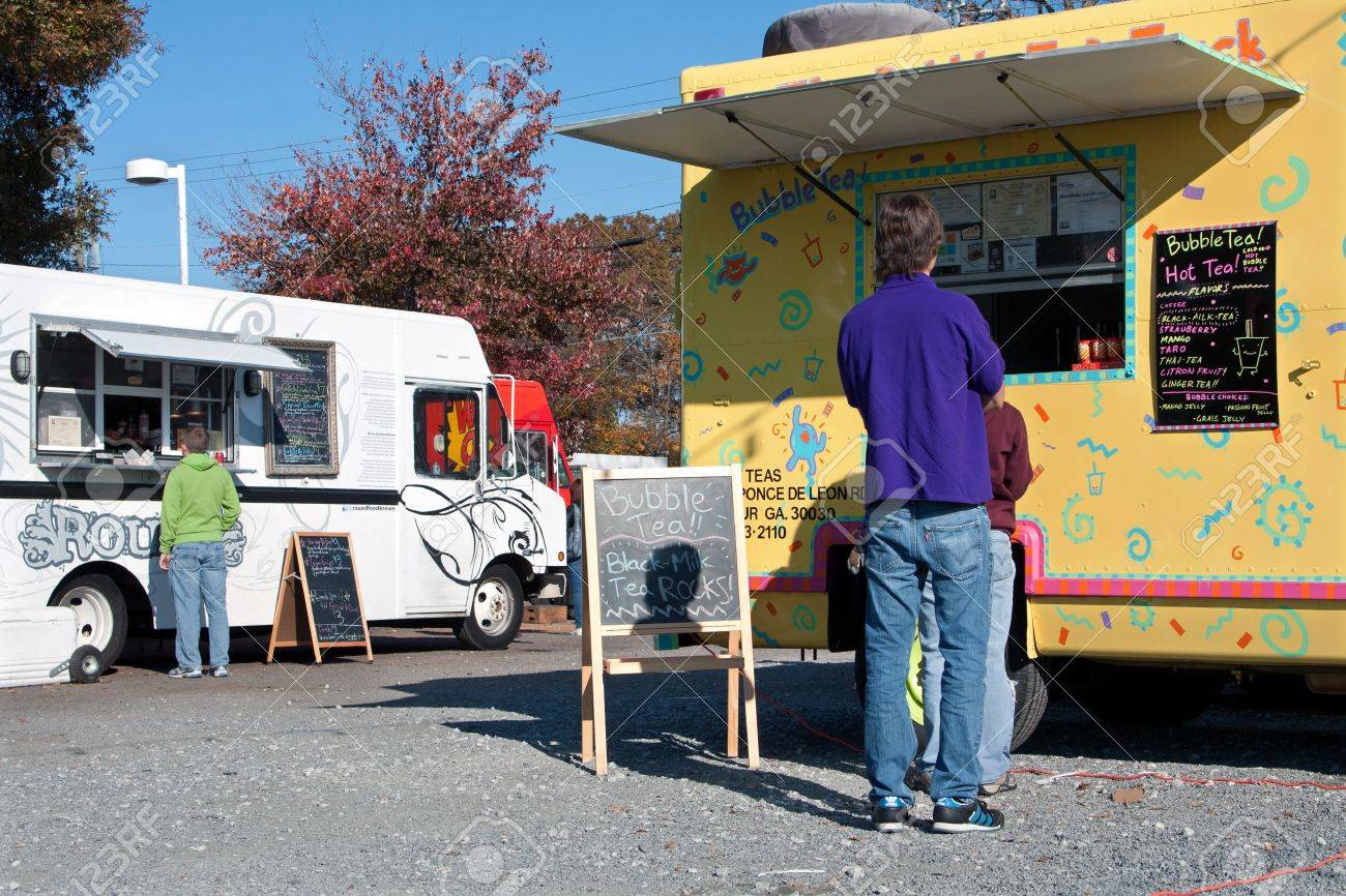 Buy A Food Truck >> Atlanta Ga November 17 2012 Customers Buy Food From High End