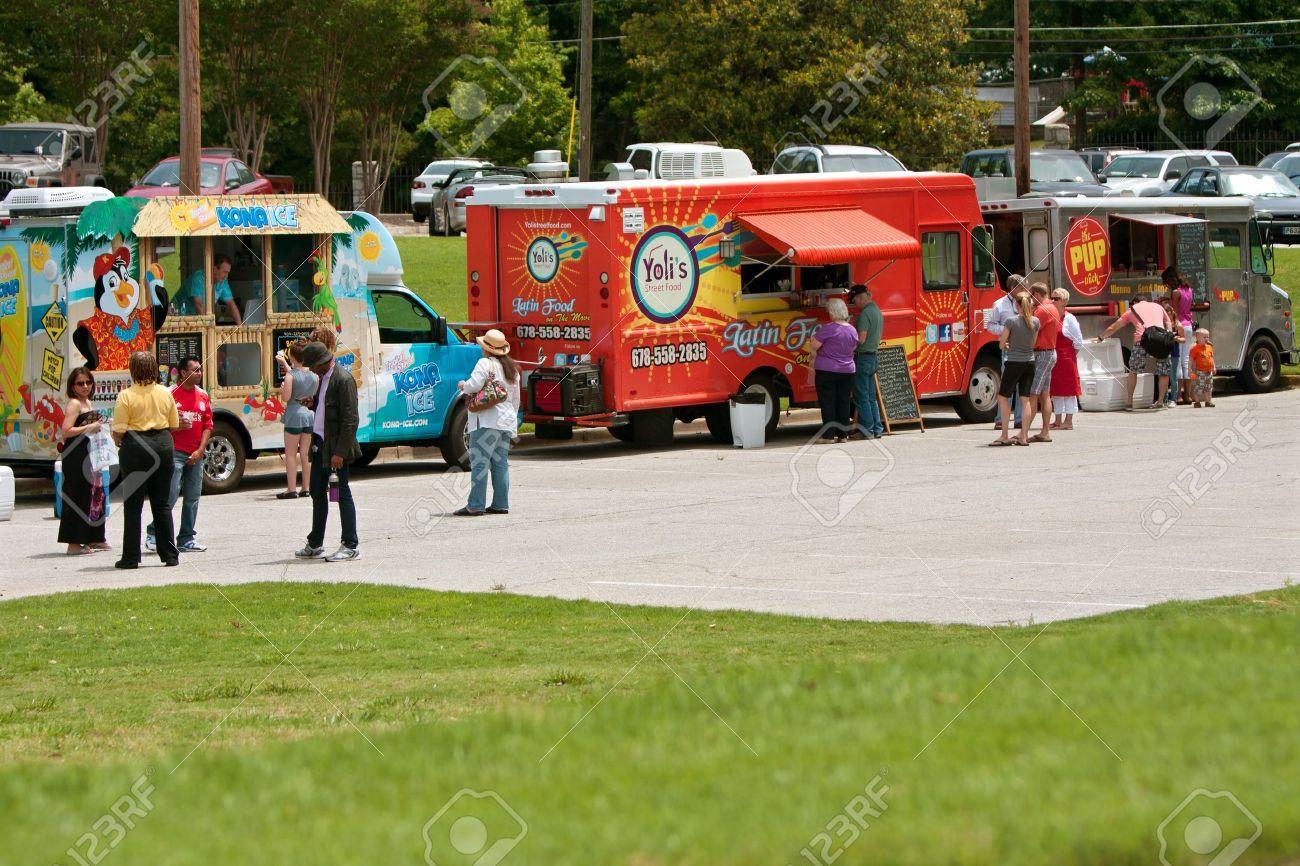 25 of the best food truck designs design galleries paste - Food Truck Atlanta Ga Usa May 25 2012 Patrons Buy