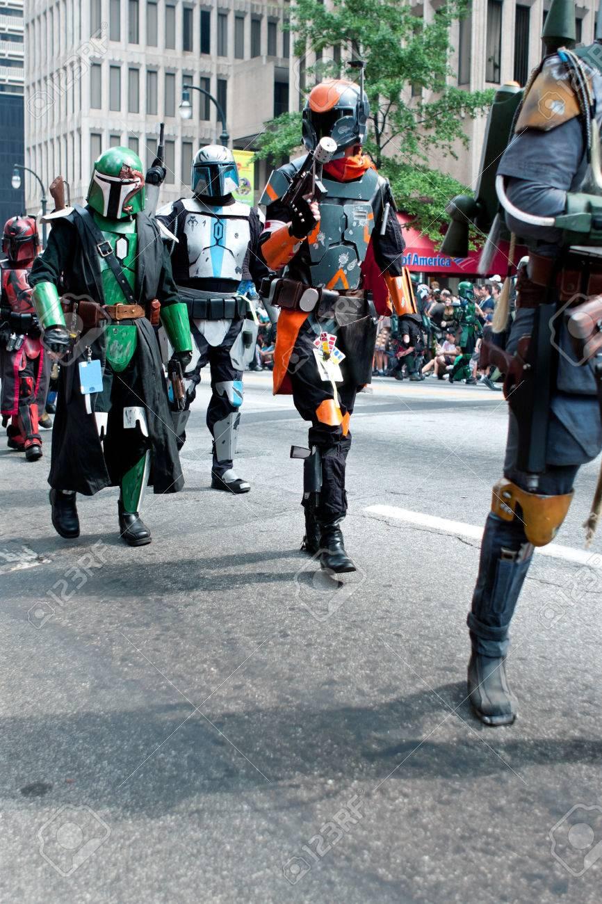 毎年恒例のドラゴンコン パレー...
