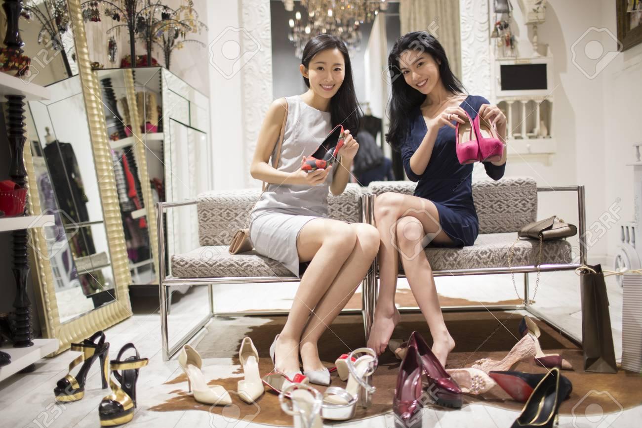 dac37cc0ff9 Best Chinese female friends shopping in shoe store
