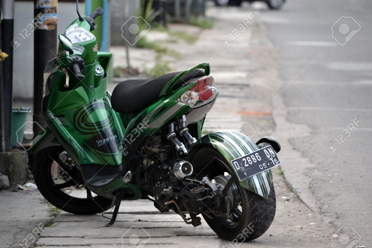 Bandung Indonesia July 29 2014 Yamaha Mio Soul Gt Motorcycle With Modification Style