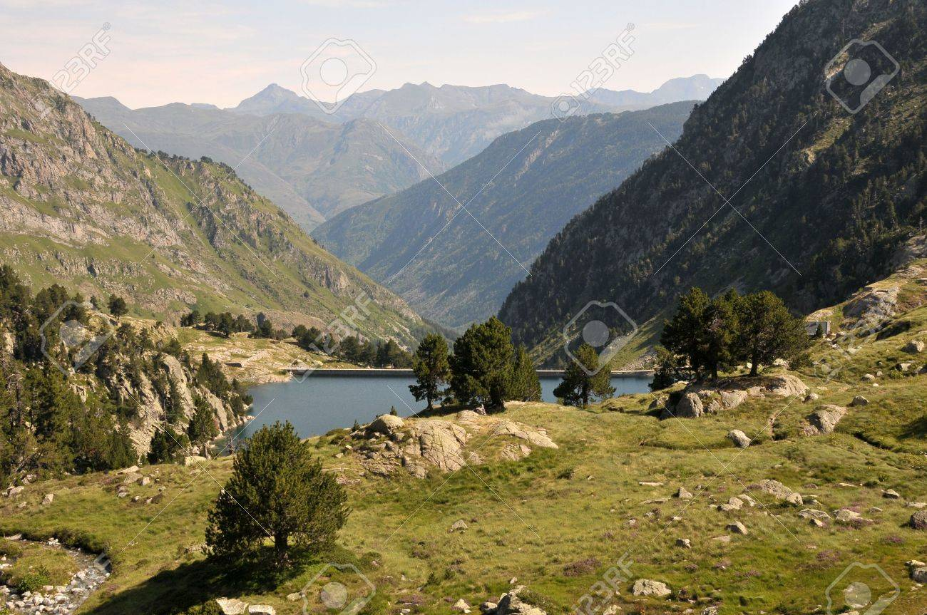 View of mointain lake in Spanish Pyrenees Stock Photo - 6984696
