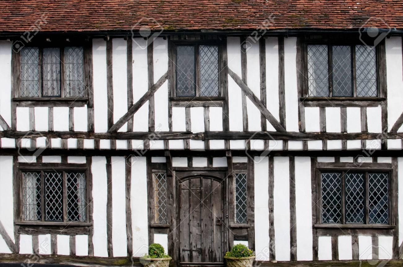 Englisch Fachwerk Schwarz-Weiß Tudor Häuser Von Lavenham, Suffolk ...