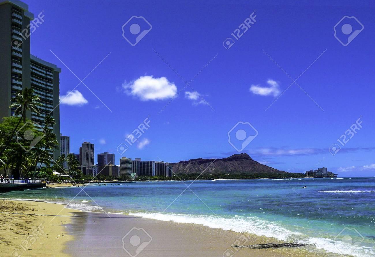 Waikiki Beach Hawaii With Diamond Head In Background