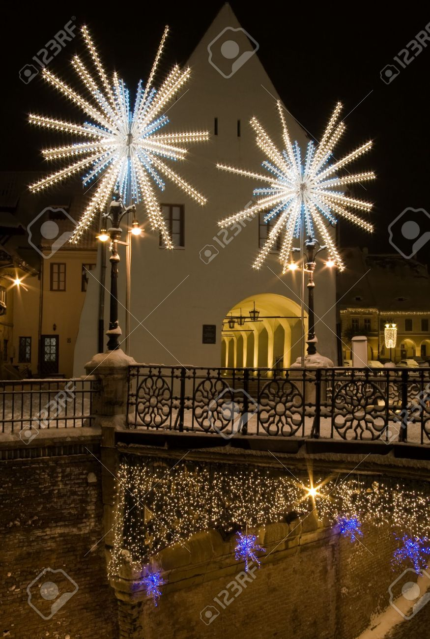 Round Christmas Lights - creditrestore.us