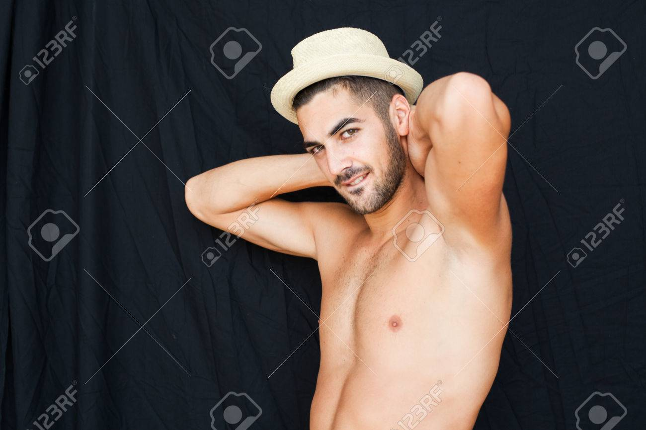 Nero nudo immagini