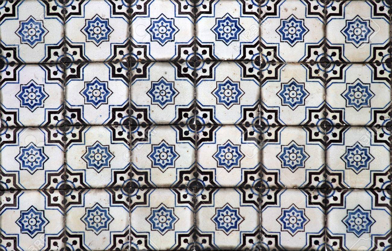 Detail of the traditional tiles  azulejos  from facade of old house in Lisbon, Portugal Stock Photo - 17260130