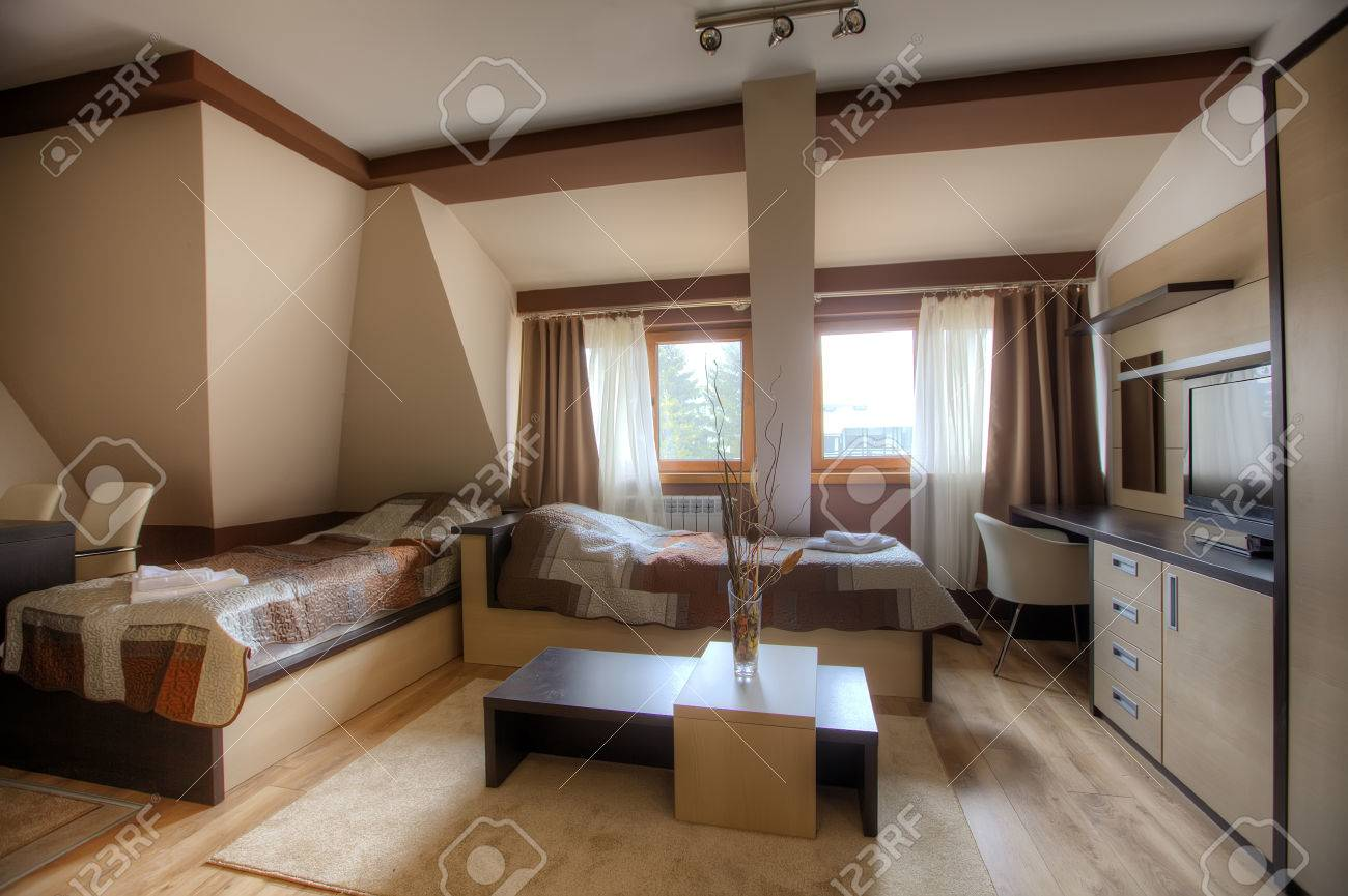 Modernes Zimmer Lizenzfreie Fotos, Bilder Und Stock Fotografie ...