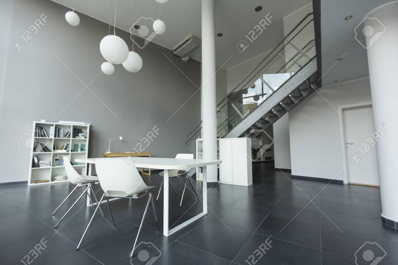 De bureaux modernes banque d images et photos libres de droits
