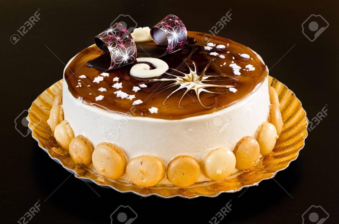 Kostliche Tiramisu Kuchen Mit Sussen Dekorationen Fur Weihnachten