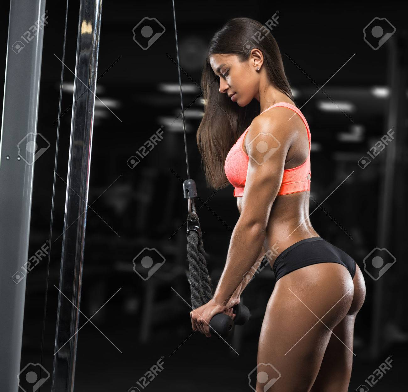 Fitness Girl With A Beautiful Smile Posing In The Gym Stock Photo 66212196