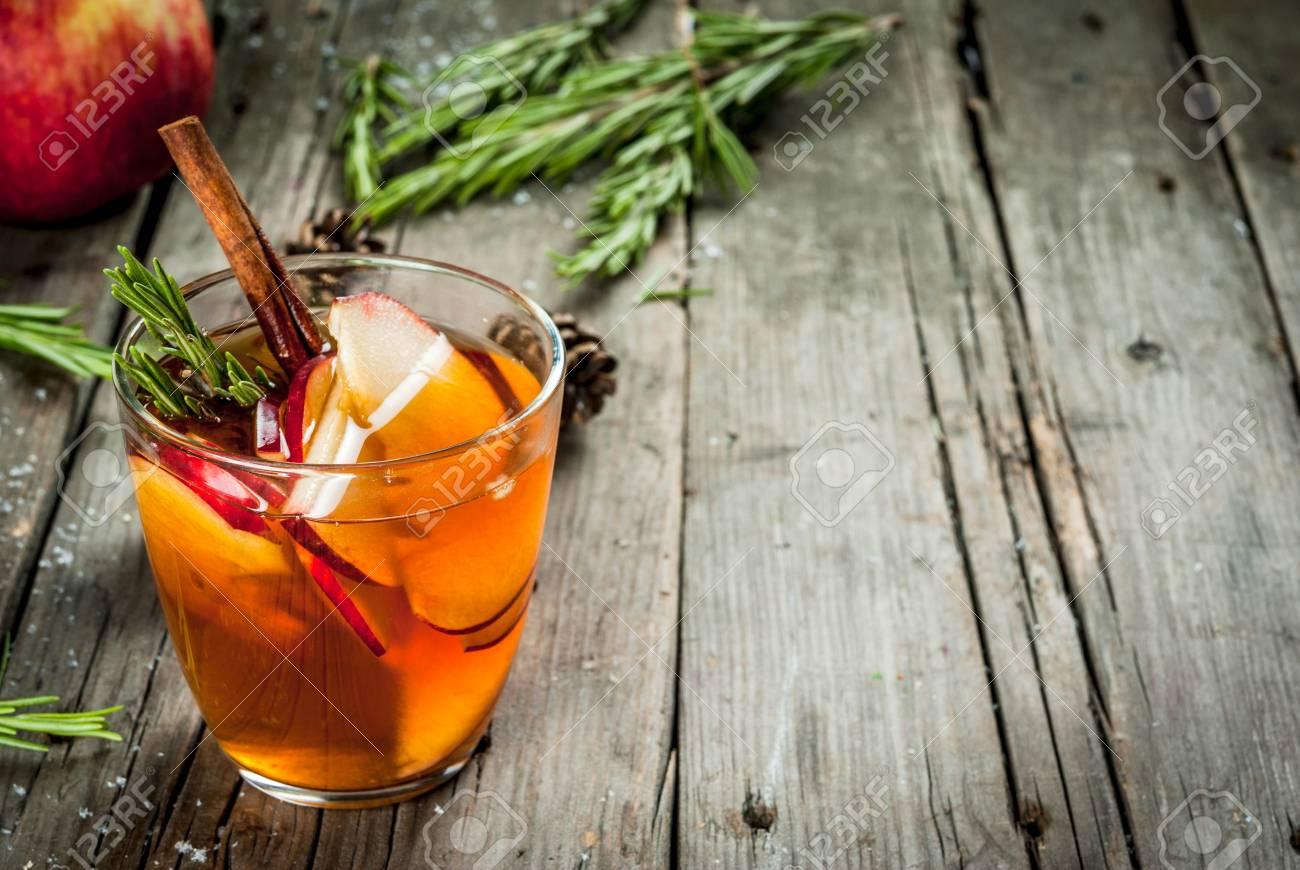 Weihnachten, Erntedankgetränke. Herbst, Winter Cocktail Grog, Heiße ...
