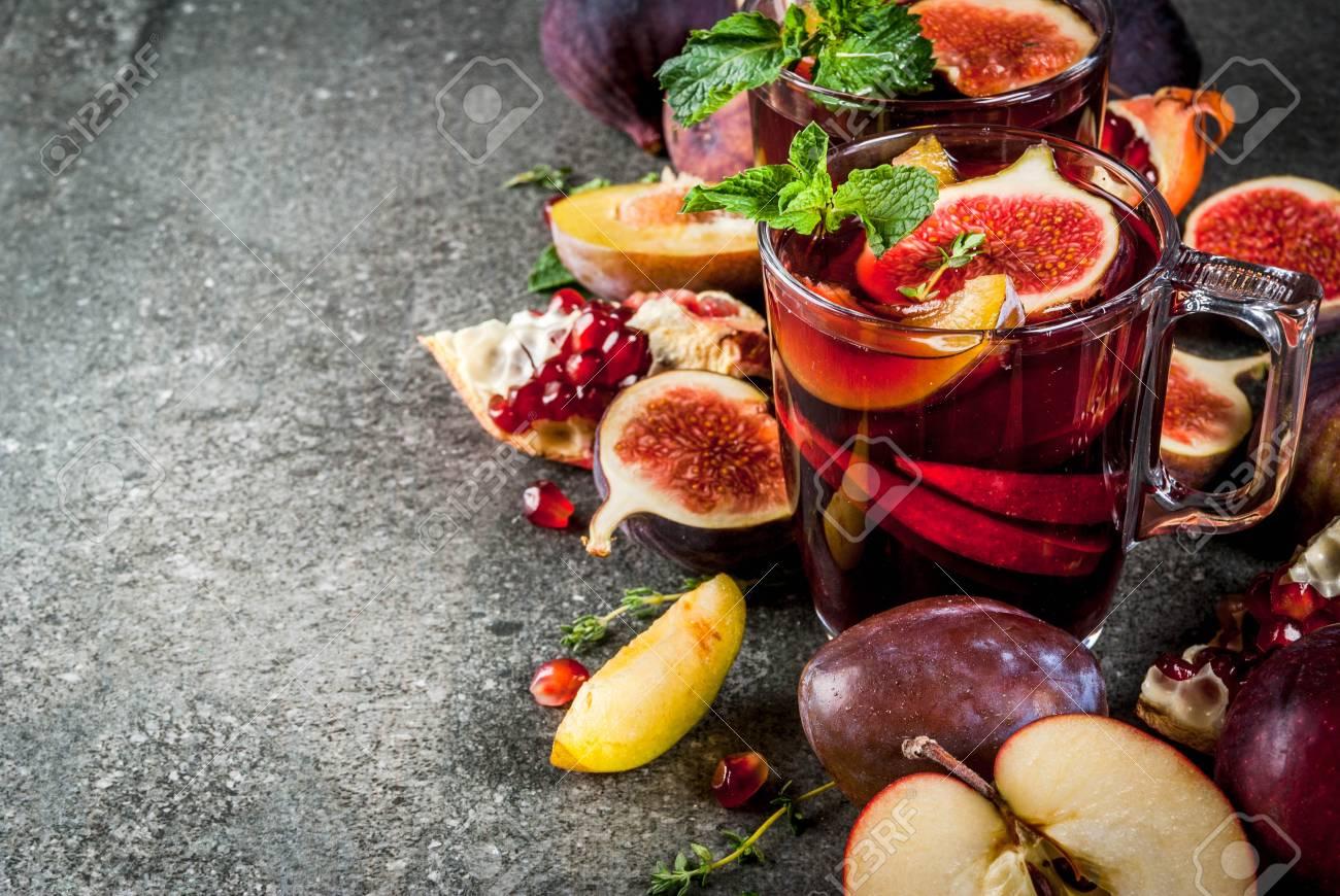 Warming Herbst, Winter Cocktail Getränke Rezepte. Heiße Rote Frucht ...