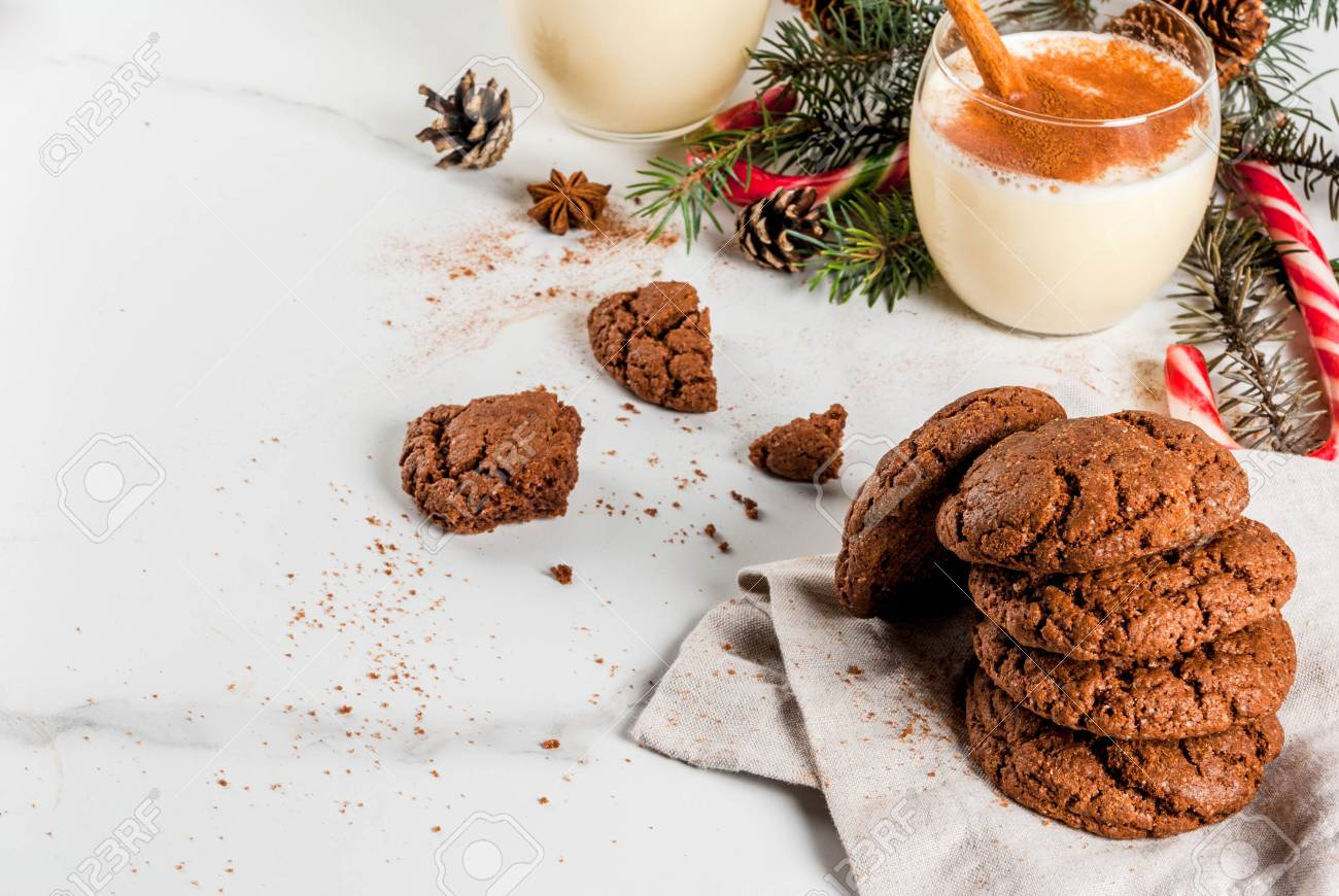 Chocolate Crinkle Cookies For Christmas With Eggnog Cocktail