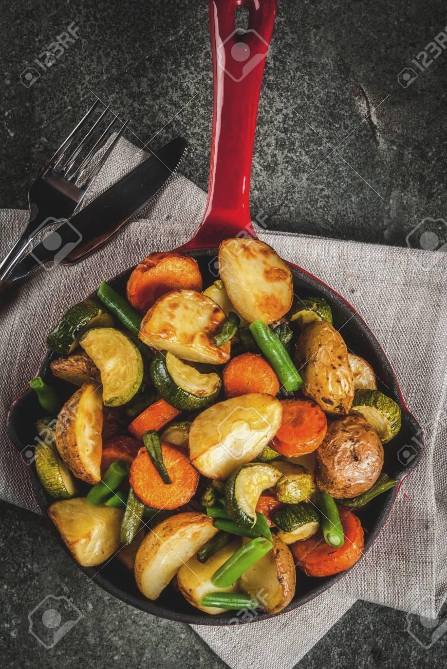 Poelee Avec Des Legumes D Automne Saisonniers Frits Courgettes