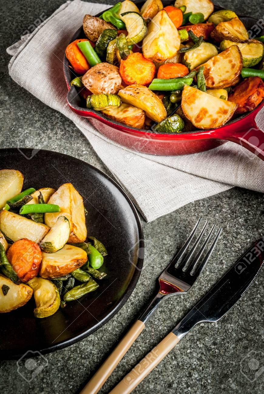 Assiette Et Poelee De Legumes D Automne Courgettes Pommes De Terre