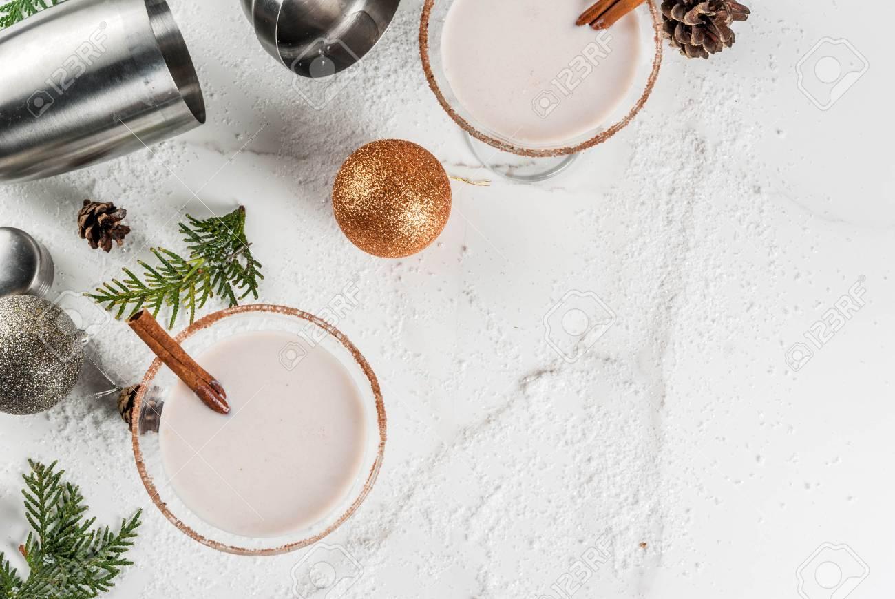 Ideen Und Rezepte Für Weihnachtsgetränk. Eierpunsch Martini, Mit ...