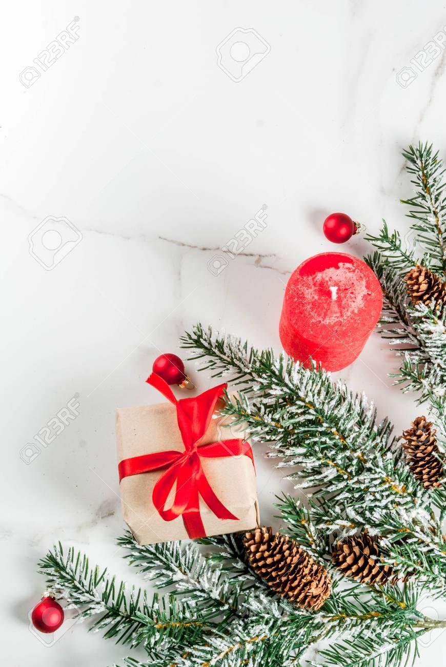 Fond De Noël Pour Carte De Voeux. Branches D'arbres De Noël Avec
