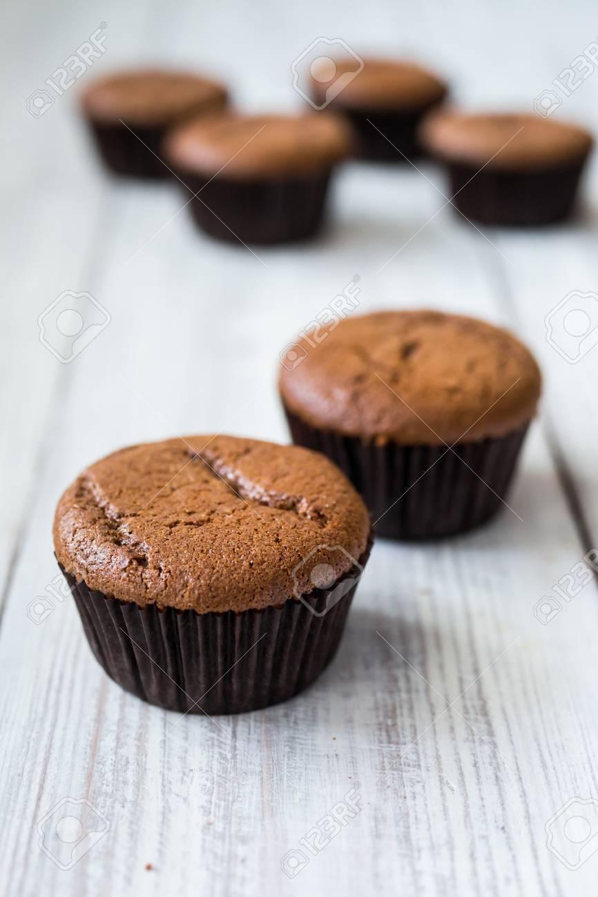 Schokoladen Cupcakes Cupcakes Cupcakes Mit Beeren Fruchten