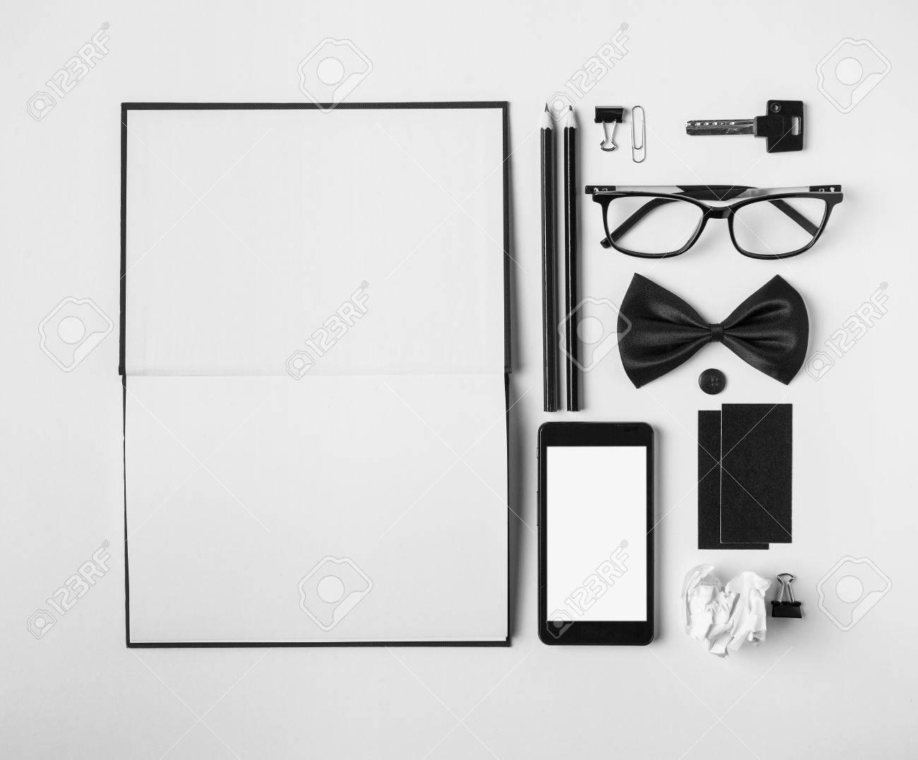 Bureaux blanc et noir montpellier nîmes agde