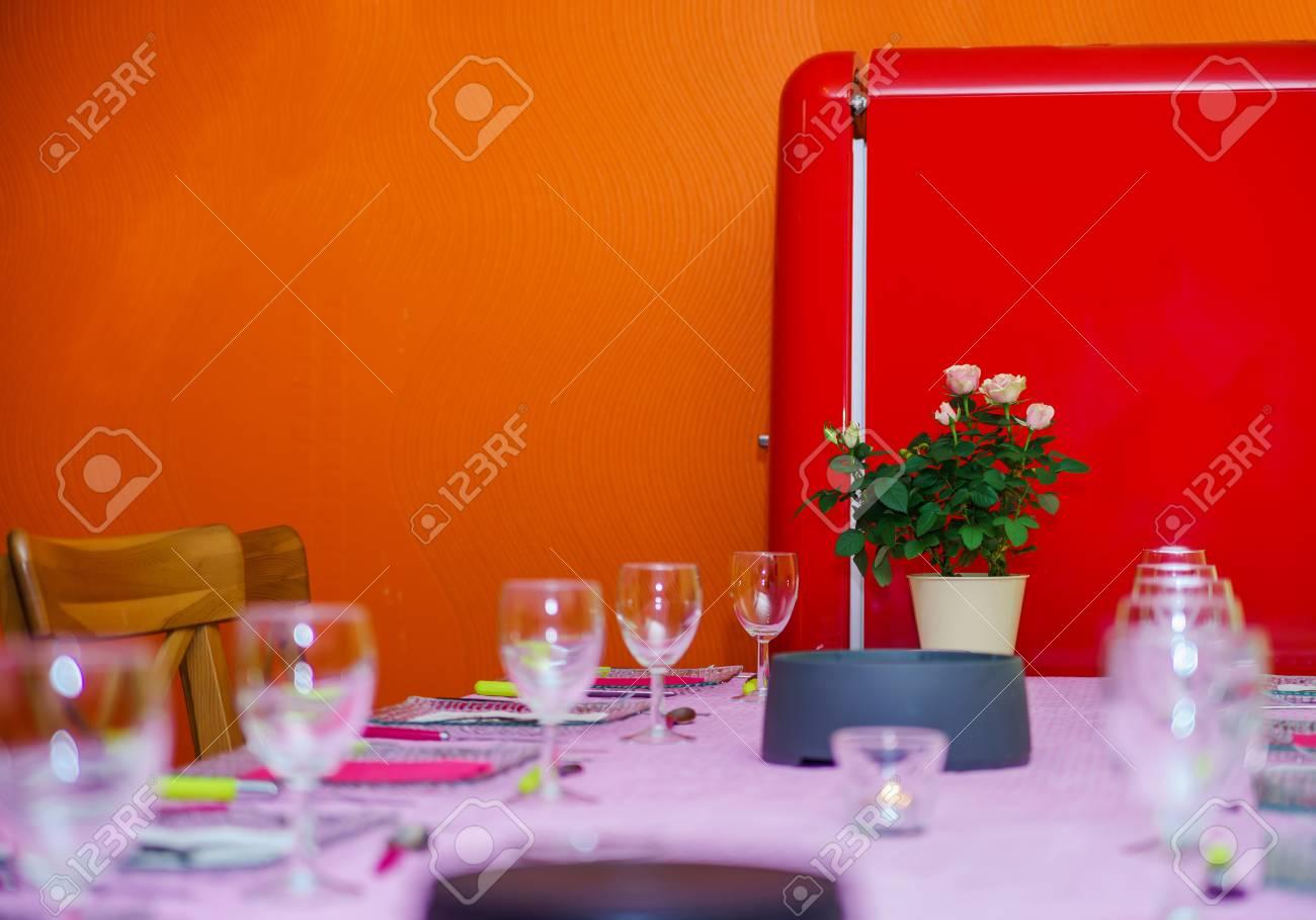 Retro Kühlschrank Pink : Retro stil roten kühlschrank in der küche zimmer vintage stil