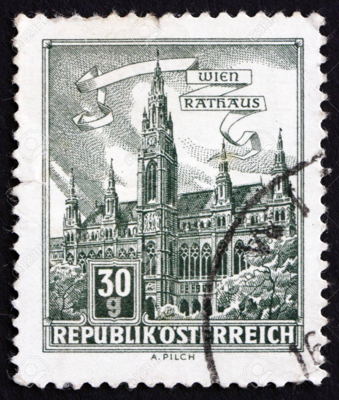 AUSTRIA - CIRCA 1962: a stamp printed in the Austria shows City Hall, Vienna, circa 1962 Stock Photo - 16286589