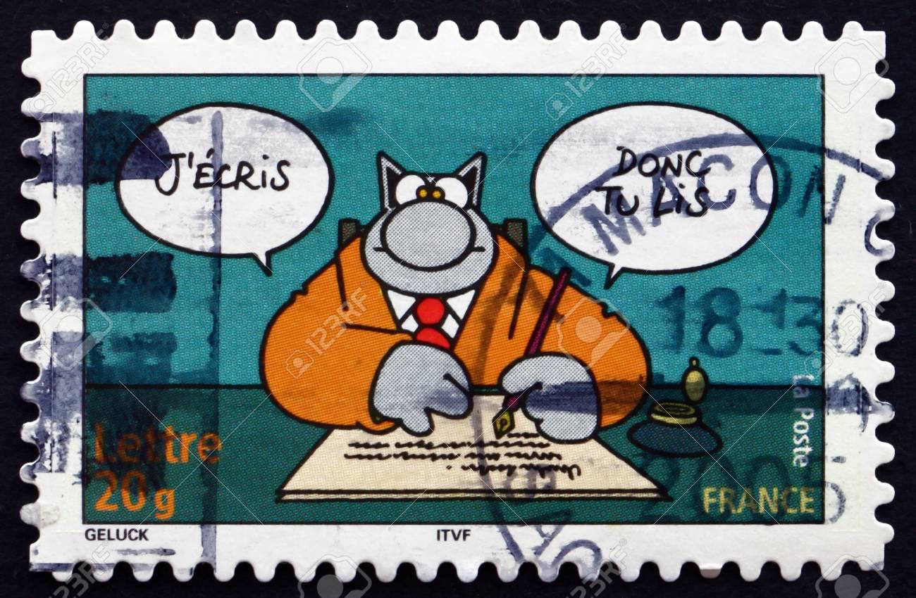 France circa 2005: un timbre imprimé en france montre chat bandes