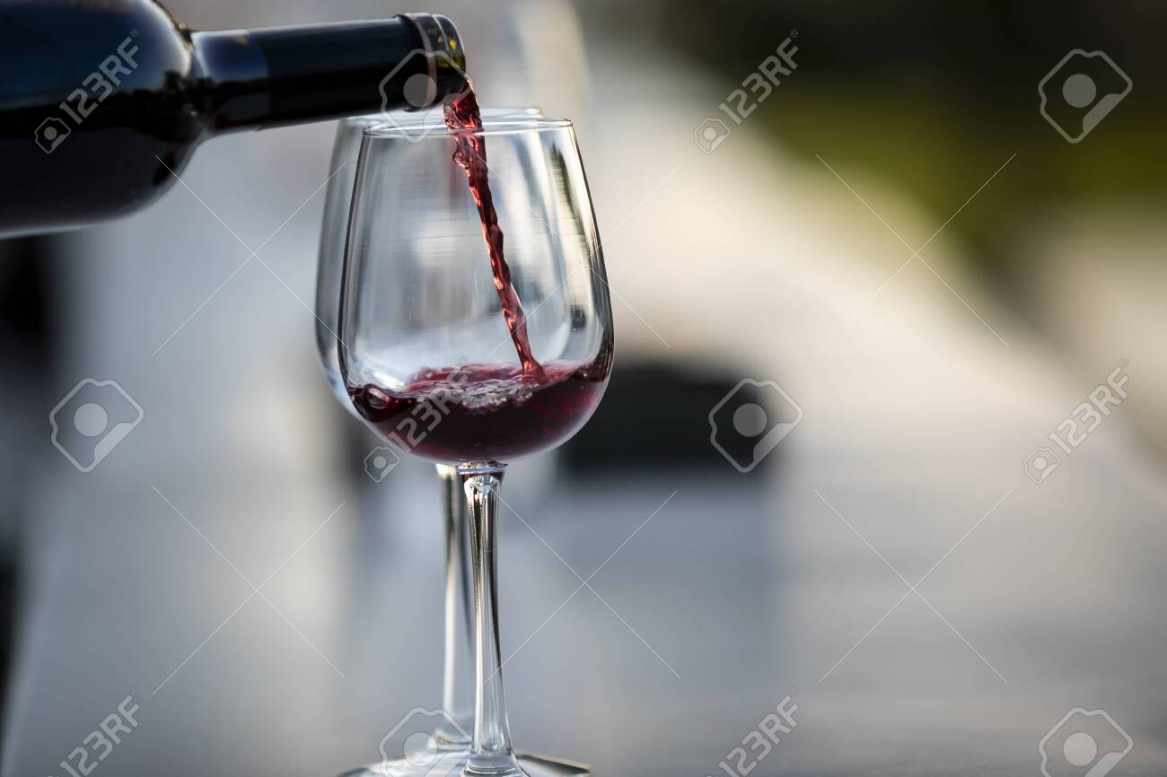 POURING WINE at bars resturant and weddings. also other social events. - 131643363