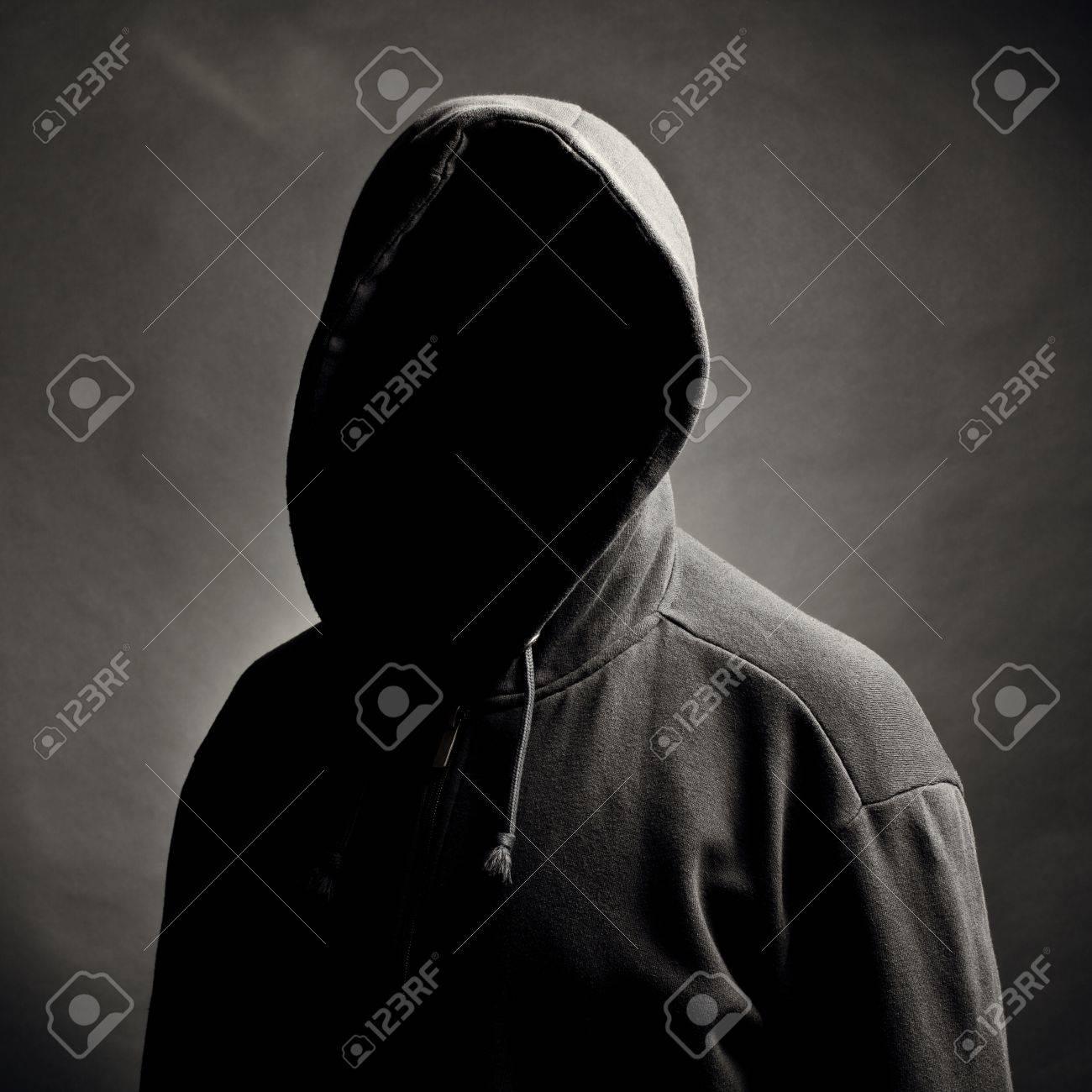 Фото парней со скрывающим лицом 2 фотография