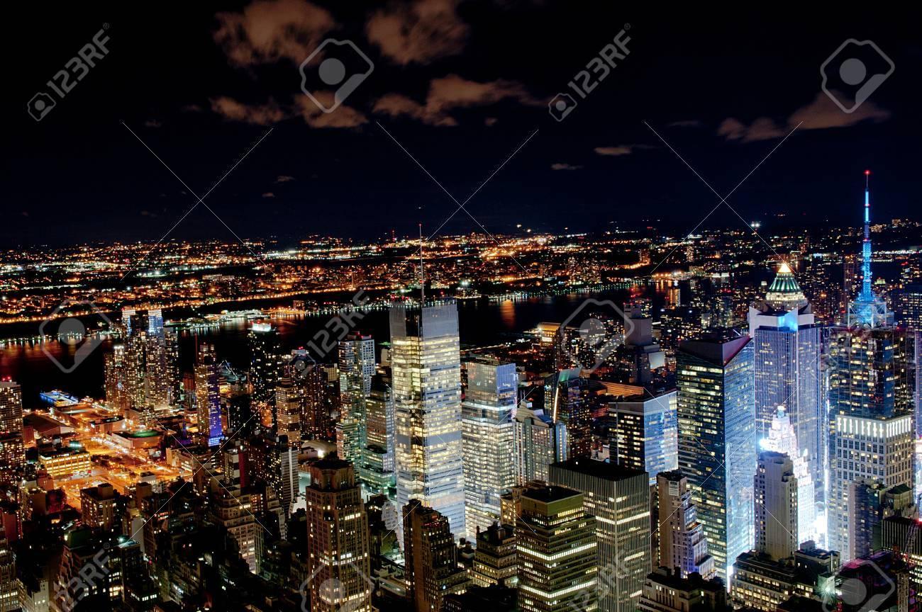 New York city by night - 30555592