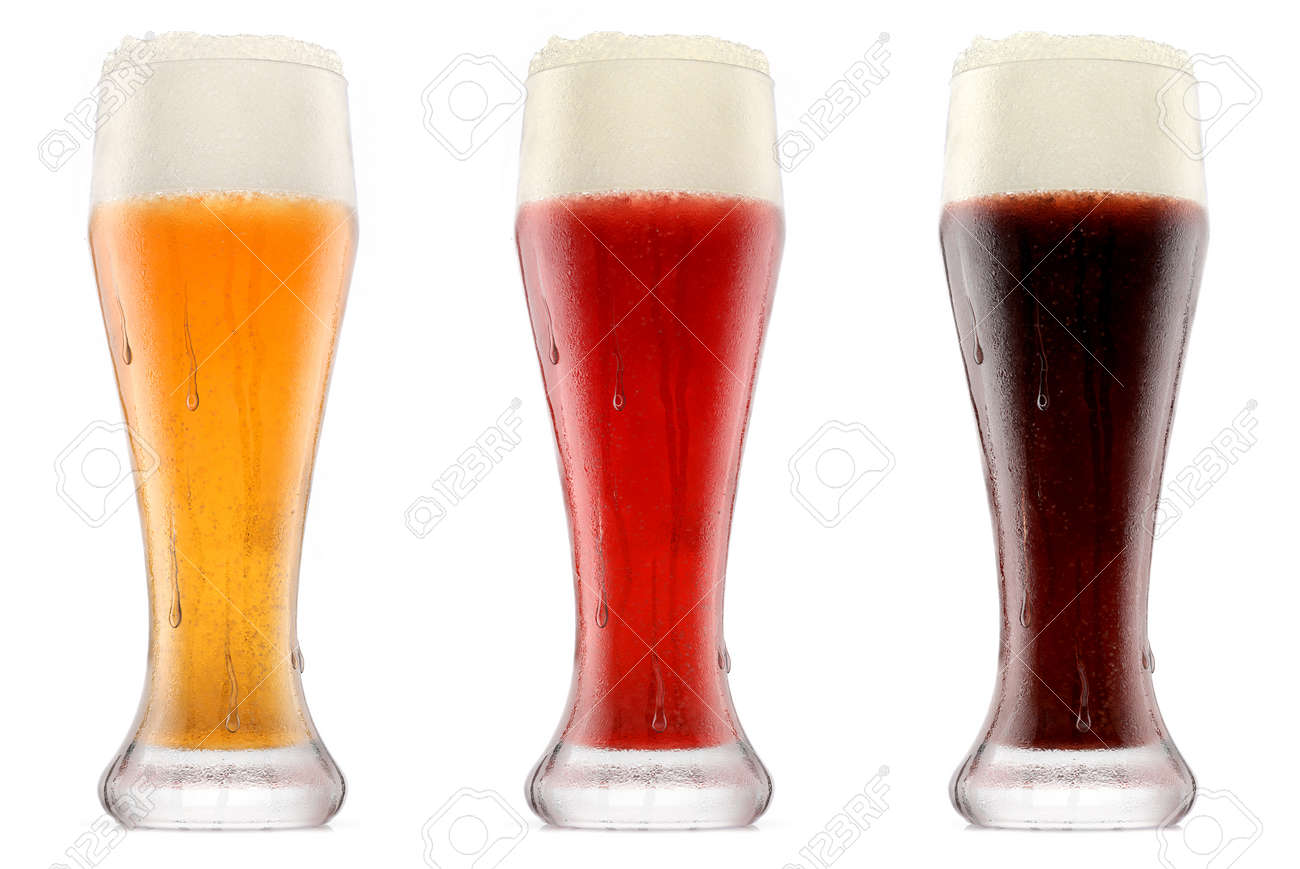 Set of glasses of fresh beer with bubble froth - 169503673