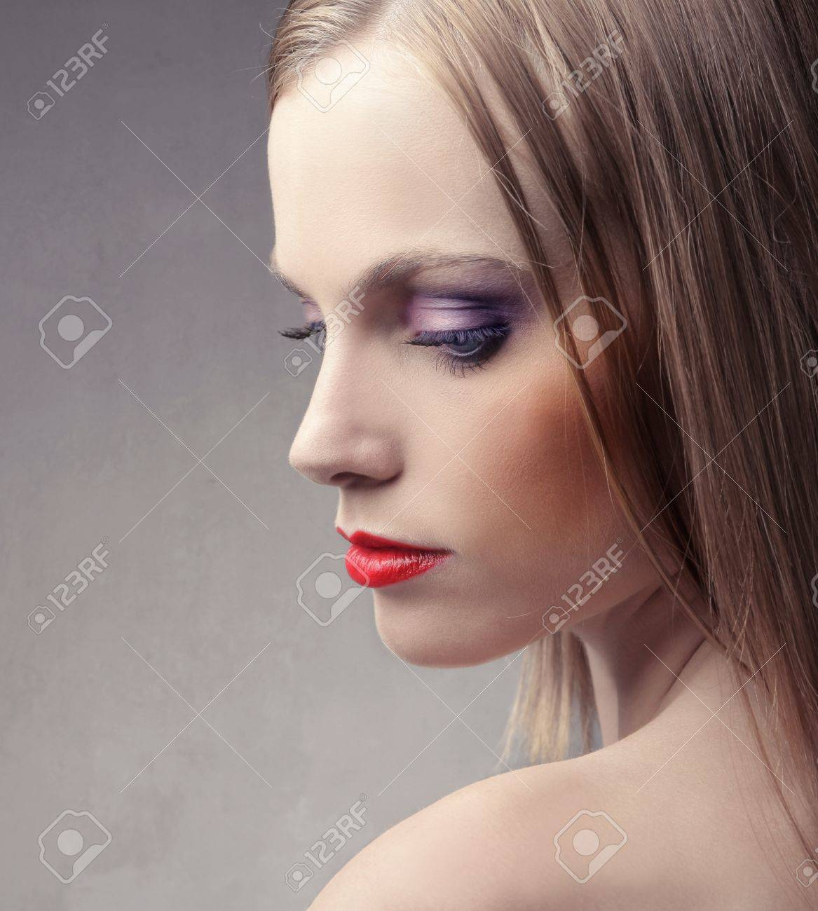 Profile of a beautiful woman Stock Photo - 8612697
