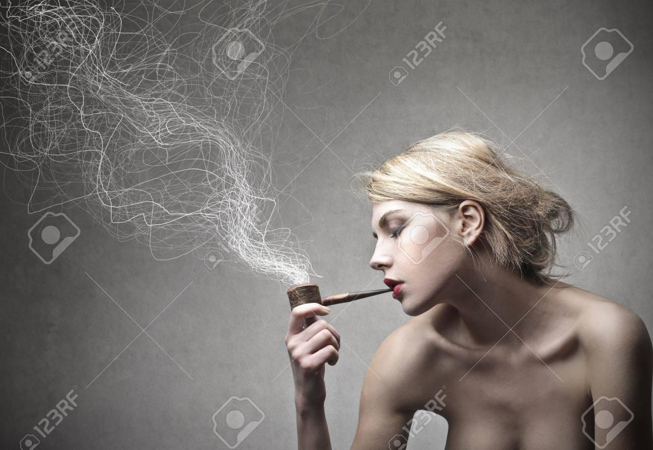 Blonde pipe
