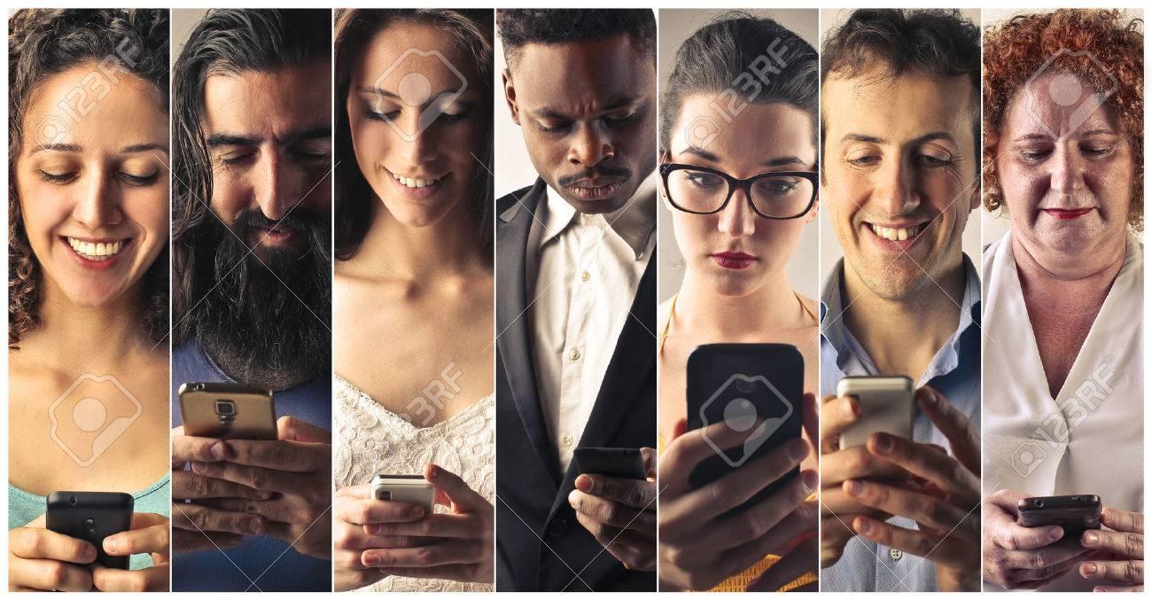 Smart phone addiction Standard-Bild - 47902752
