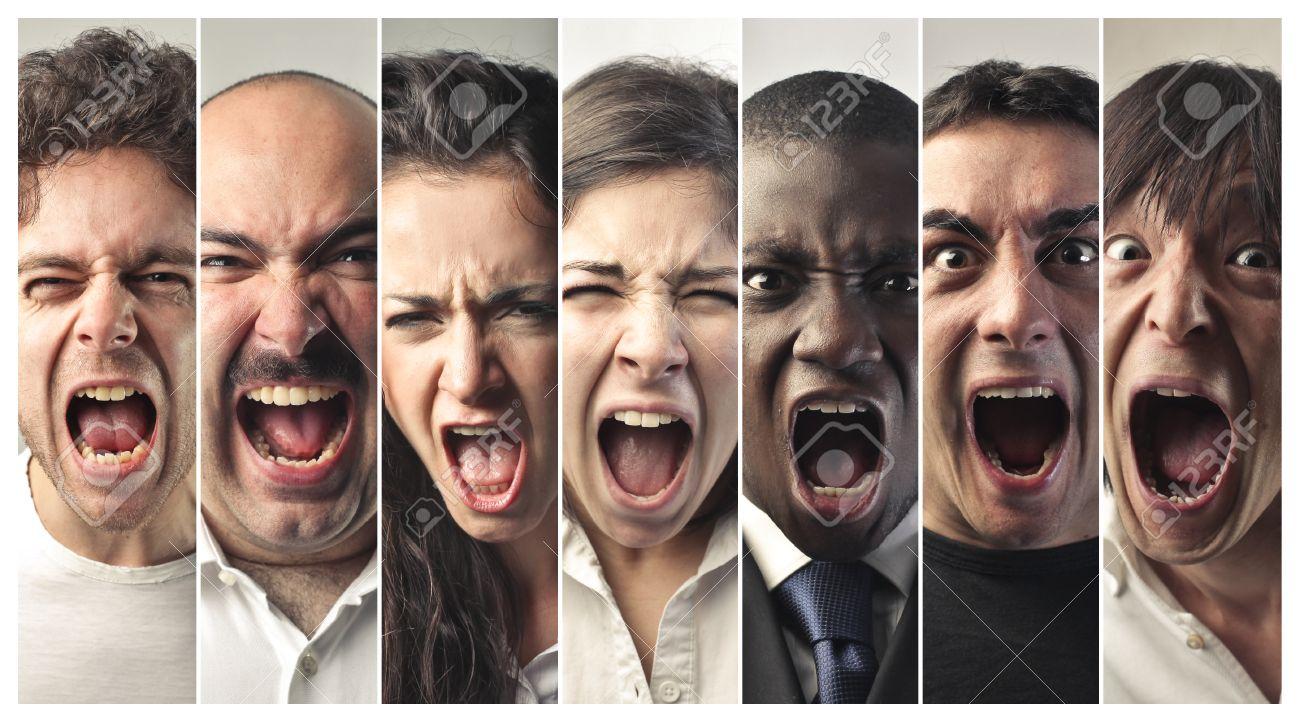 Screaming people - 59829180
