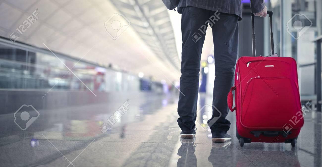 Departure time Standard-Bild - 65827202