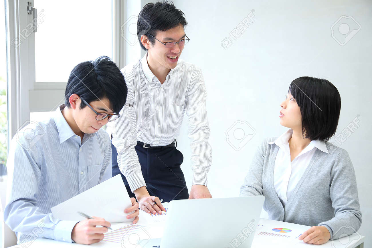 Employees who hold planning meetings at the company - 154346911