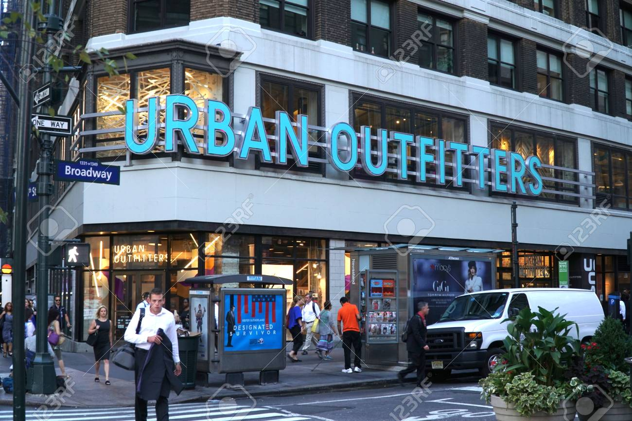 New York City September 2016 Urban Outfitters Herald Square Stock Photo Picture And Royalty Free Image Image 93669768
