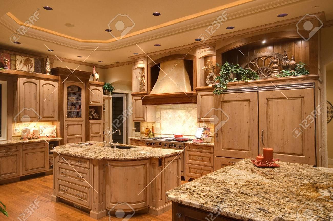 Maison Nouvellement Construite Avec Une Belle Cuisine équipée Banque
