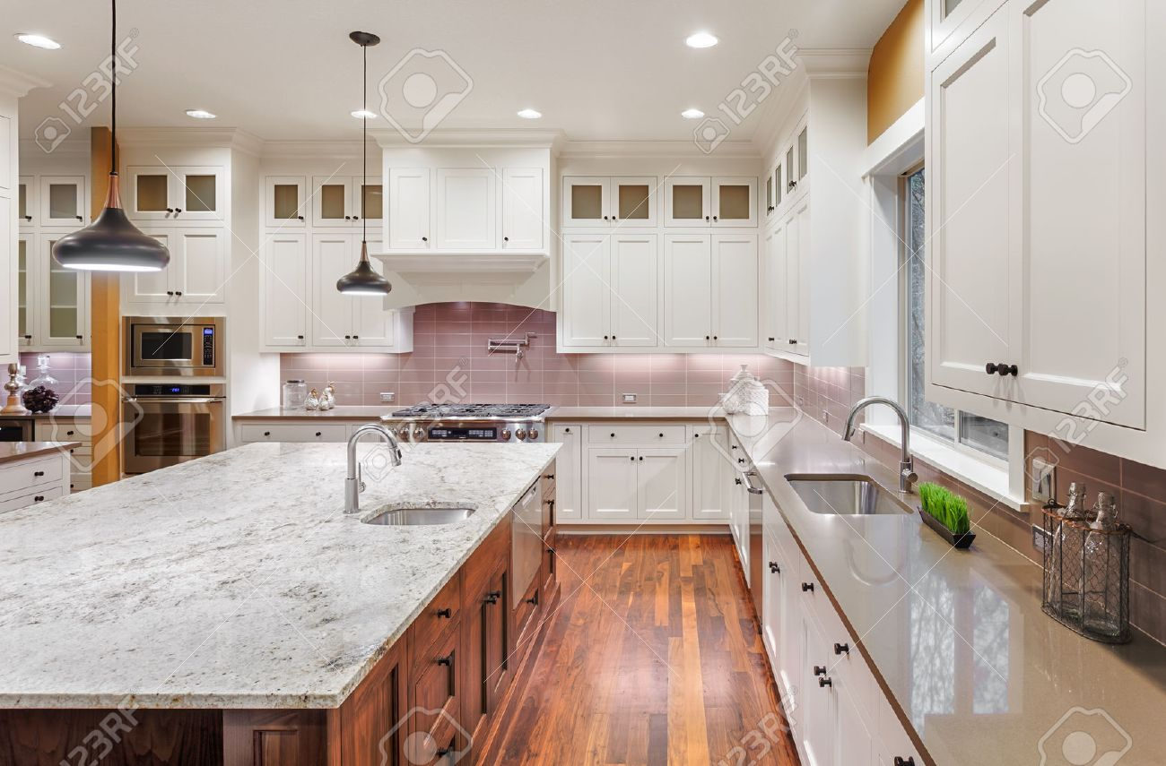 Schone Kuche Interieur In Neue Luxus Haus Kuche Mit Insel