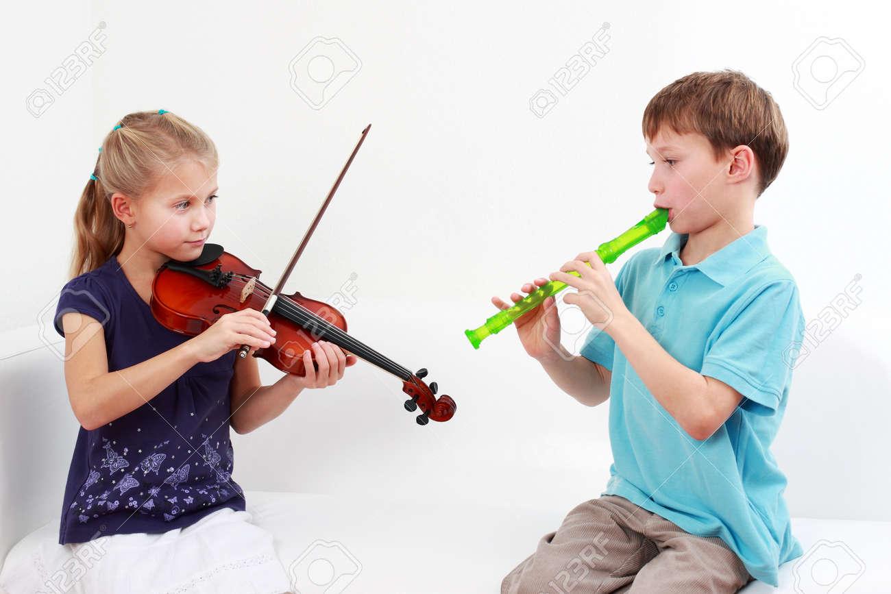 Старшеклассницы урок музыки 6 фотография