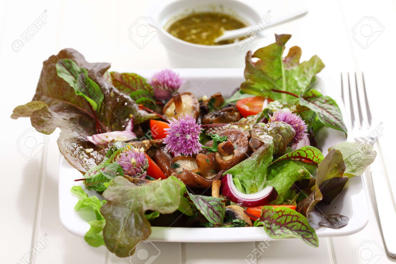 Spring salad with shiitake mushrooms Stock Photo - 13739883