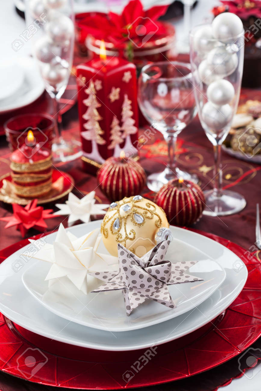 Place setting Christmas decorated with paper star Stock Photo - 16833832