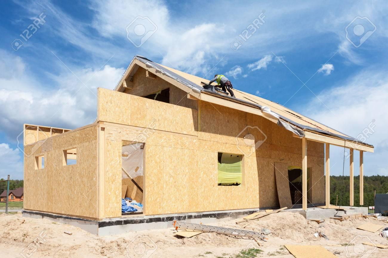 banque dimages construction ou rparation de maison avec isolation avant toit fentres garage chemine toiture faade de rparation et pltrage