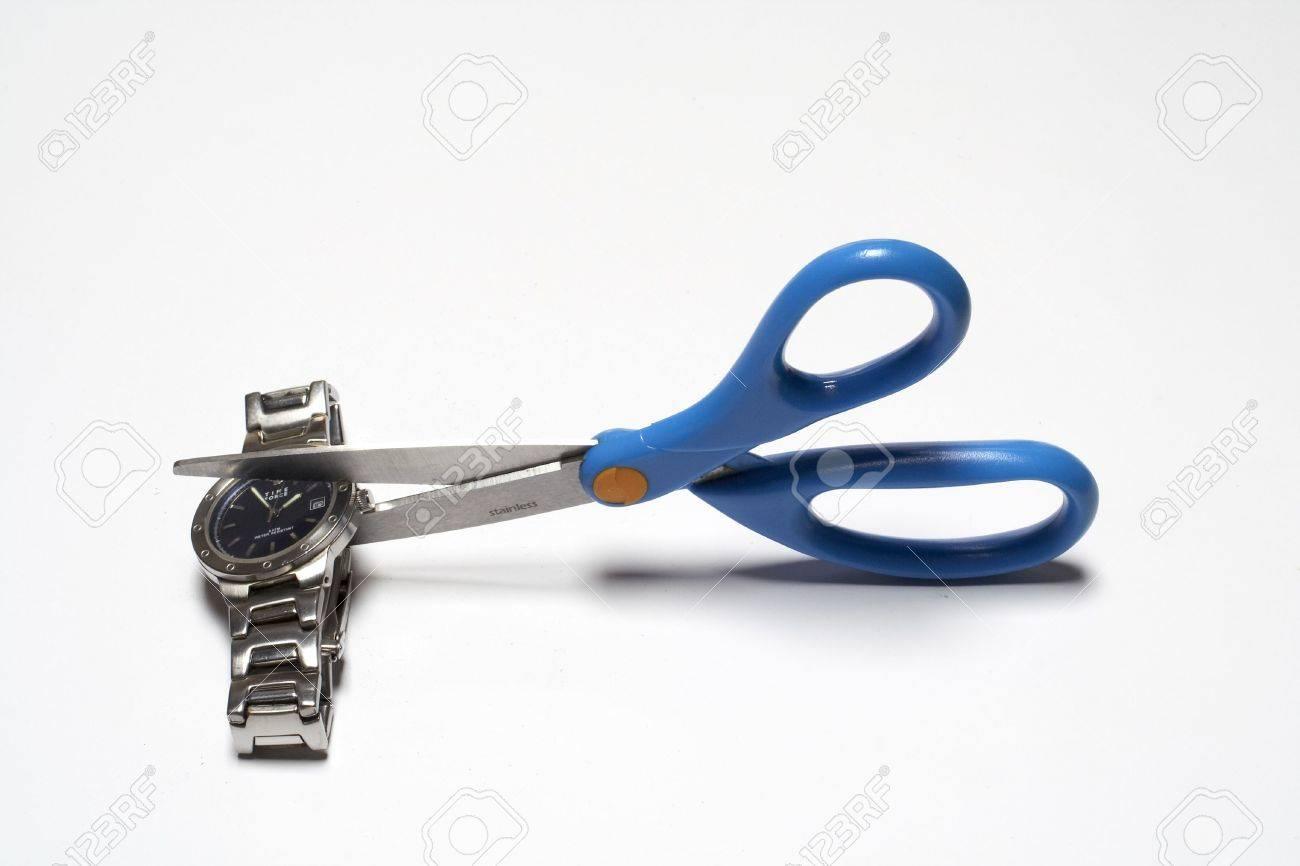 Cutting clok with scissors - 359324