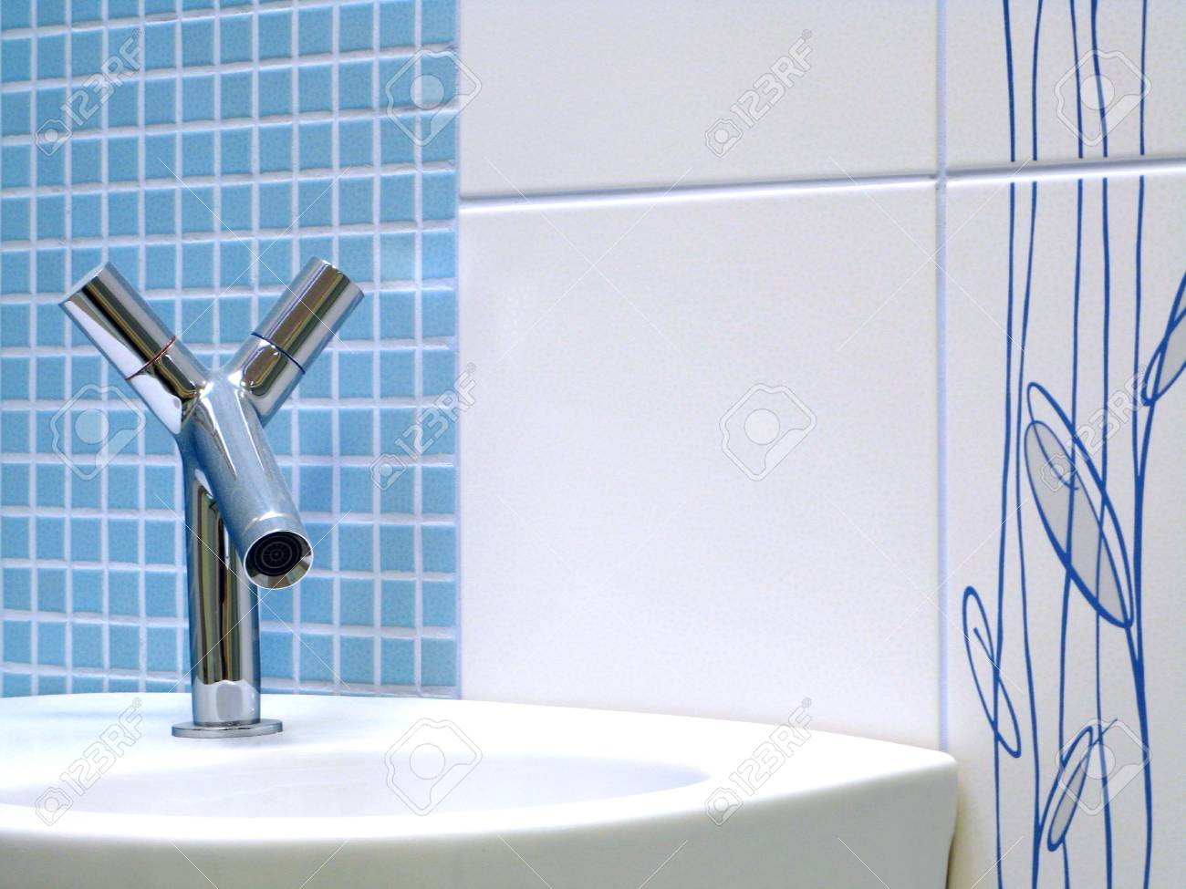 Interior of bathroom - basin and faucet Stock Photo - 4137650