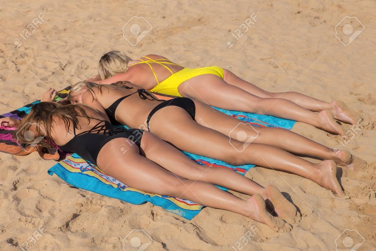 Blonde Beach Girls