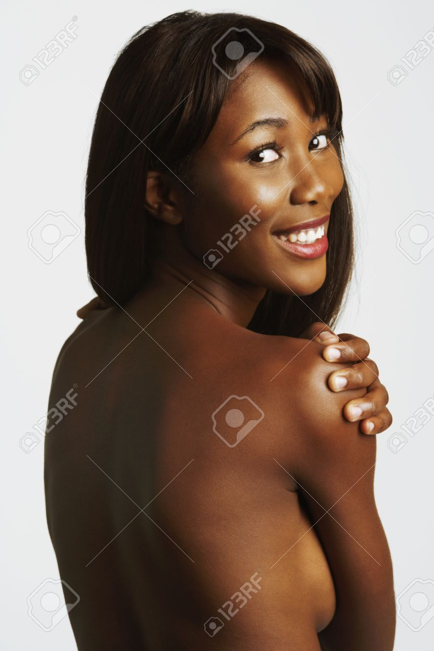 zoe saldana leaked nude photos