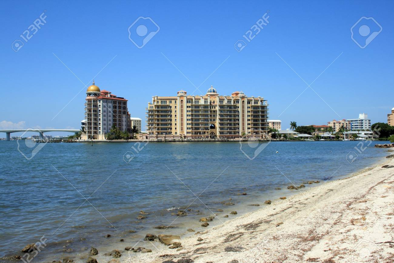 Luxury resort and condos on Sarasota Bay. Stock Photo - 4470221